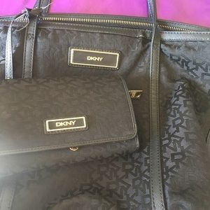 DKNY purse and matching wallet